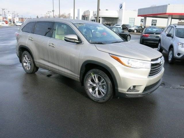 Beautiful This 8 Passenger Beauty Is A Noticeably Great Choice For Families. Consumer  Reports Name The Toyota Highlander XLE The Best Midsize ...